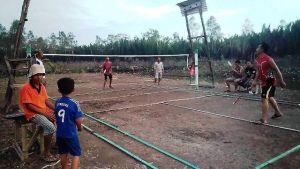 Lapangan Badminton Hasil Program TMMD Siap, Satgas dan Warga Jajal Bermain