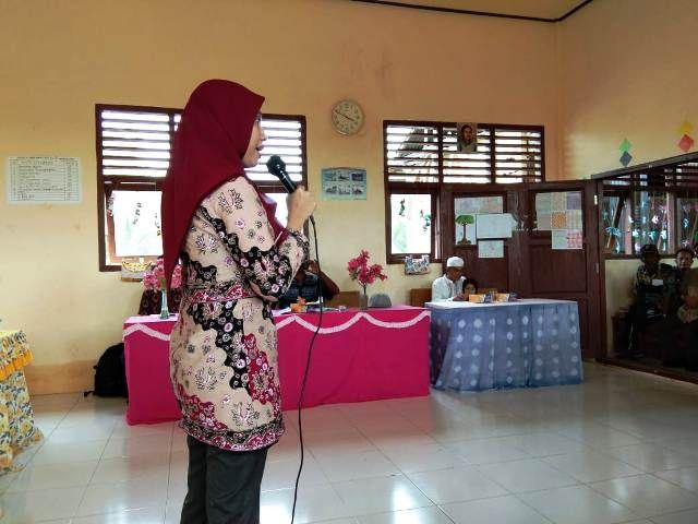Irma, Kepala BPS Tanjung Jabung Timur memberikan sosialisasi