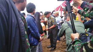 Tutup TMMD, Danrem 042/Gapu juga Serahkan Bantuan ke Masyarakat Mendahara
