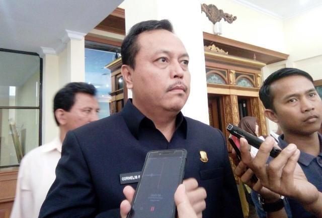 Ketua DPRD Provinsi Jambi Cornelis Buston