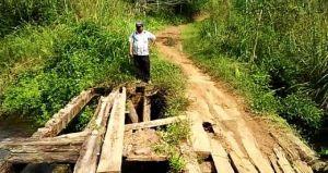 Jalan Rusak dan Jembatan Lapuk Tak Bisa Dilewati, Warga Dusun Perinti Luweh Harapkan Perhatian