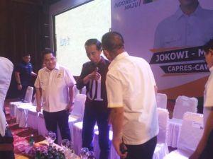 Didampingi Erick Thohir, Jokowi Temui Relawan dan Tim Jambi