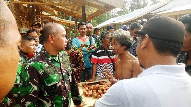 Danrem bersama SAD di Desa Tambu Arang