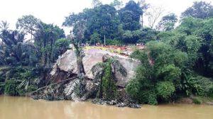 VIDEO: Detik-detik Ruko Amblas ke Sungai Masumai Merangin