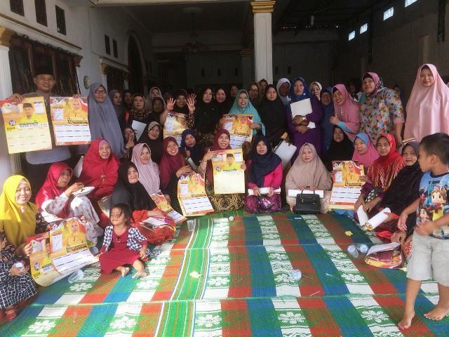 Relawan Emak-Emak ini Dukung Asari Syafii Perjuangkan Perda Syariah