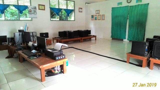 Suasana ruangan simulasi UNBK SMP Idan SMK Asy'ariyah Muaro Jambi