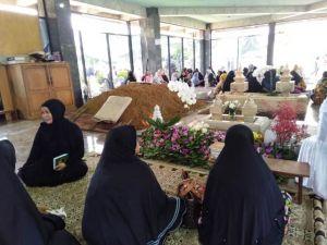 Hj Hasanah Ibunda ZN akan Dikebumikan Berdampingan dengan Suaminya