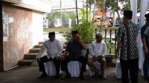 Rumah Kampung Manggis Mulai Ramai, Bupati CE Sambangi  Rumah Duka