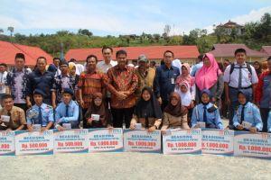 Nikmati Beasiswa Pendidikan, Masyarakat Sukarela Dukung Agar SAH Terpilih Lagi ke Senayan