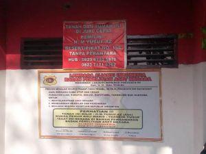 Ahli Waris Segel Kantor Basarnas  Bungo dan Tempel Pengumuman Rumah Ini Dijual Cepat