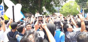 Tiba di RCC Jambi, Ribuan Warga Teriak Prabowo Presiden