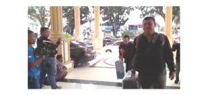 Bawa 5 Koper, 9 Penyidik KPK Tiba di Polda Jambi