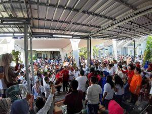 Edi Purwanto Bersama Ribuan Relawan Milenial Dan Perempuan Lintas Etnis Kampanyekan Jokowi-Ma'ruf