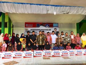 Salurkan Beasiswa PIP di Kuala Tungkal, SAH Dukung Percepatan Pencairan Daerah Pesisir