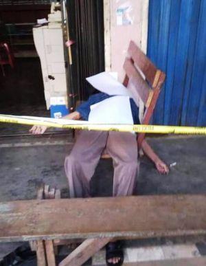 Warga Ditemukan Tidak Beryawa di Depan Toko Fotocopy