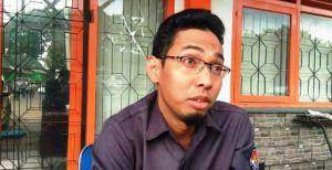 Ketua RT Diduga Bagikan Kartu Nama Caleg Saat Bagikan Undangan C6