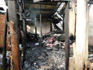 Ditinggal Berjualan di Pasar Bedug, Enam Bedeng Ludes Terbakar