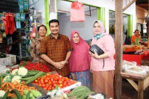Reses Ke Jambi, SAH Pantau Harga Sembako Di Pasar Tradisional