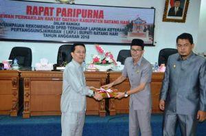Bupati Syahirsah Hadiri Paripurna Penyampaian Rekomendasi LKPJ Tahun 2018