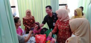 Puasa ke-13 Ramadan, DWP RSUD Raden Mattaher Jambi Santuni Ratusan Pasien
