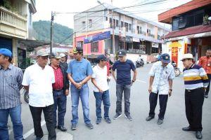 Ketua DPRD Sungai Penuh Fikar Azami Tinjau Jalan Jelang Idul Fitri