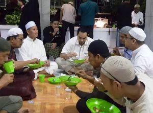 Itifkaf di Masjid Nurdin Hasanah, Ini Kata Jefri Amas Soal Pengusulannya Sebagai Cawagub Fachrori