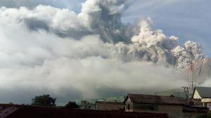 Gunung Sinabung Erupsi Besar, Awan Panas Mengarah ke Tenggara
