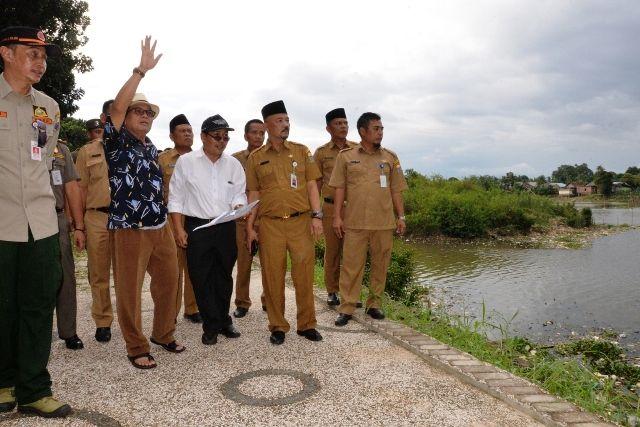 Fachrori saat mengecek jalur arena kejurnas di Danau Sipin