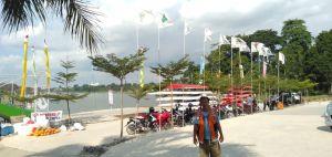 Seluruh Bendera Provinsi SeIndonesia Berkibar di Danau Sipin Jambi, Ini Penampakannya