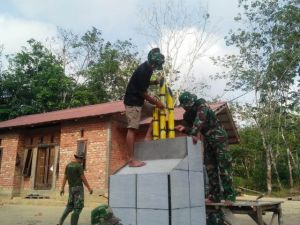 Tiga Bambu Runcing di Tugu TMMD jadi Saksi Sejarah Semangat TNI di Desa Ladang Peris