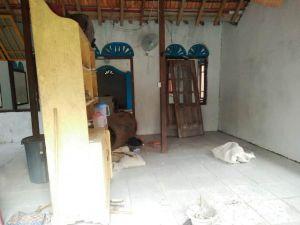 Satgas TMMS Selesaikan Pemasangan Keramik Musollah Baitul Mukmin