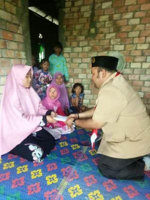 Satgas Pramuka Peduli Kwarcab Batanghari Sambangi Rumah Duka Pahlawan Langit Biru