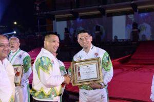 Satu-Satunya Kepala Daerah Terpilih di Indonesia,Fasha Raih Penghargaan Pembina Olahraga Berprestasi