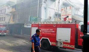 Bank Syariah Mandiri di Pasar Kota Jambi Terbakar