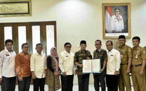 Fachrori Teken NPHD dengan KPU Provinsi Jambi untuk Pilgub Jambi 2020
