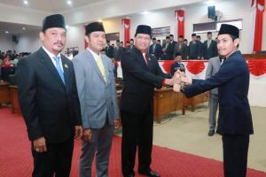 Tiga Pimpinan Definitif DPRD Tanjabbarat Resmi Dilantik