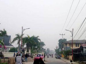 Warga Kembali Gunakan Masker, Asap Kiriman Selimuti Kota Tungkal