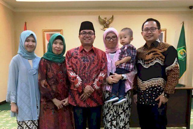 Prof Suaidi Asy'ari dan keluarga