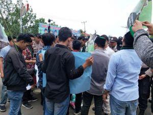 Aksi Himpunan Mahasiswa Islam  di HUT Tanjabtim, Ini Tuntutan ke Bupati
