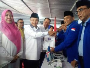 Serahkan Berkas ke Demokrat, CE Siap Bawa Jambi Tiga Besar di Sumatera