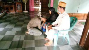 Sungkem ke Orang Tua, Ahmad Jahfar Minta Doa Restu Maju Pilbup Tanjabbar