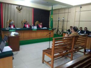 Pertemuan Dengan Asrul Di Pesawat, Asiang : Ssssttt, Ada KPK