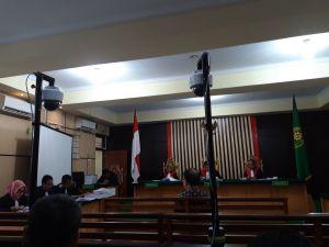 Kasus Suap Ketok Palu, Kontraktor Asiang Dituntut  2,5 Tahun Penjara