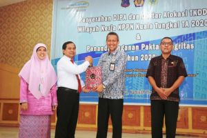 Tanjab Barat Raih Penghargaan atas Koordinasi Penyaluran Dana Transfer dan Dana Desa