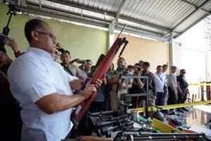Ditreskrimsus Polda Jatim Gerebek Rumah Produksi Senjata Angin Tanpa Izin di Lumajang