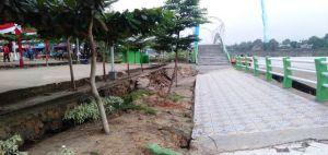 Bangunan Track Jogging di Danau Sipin Jambi Nyaris Amblas