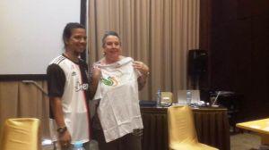 Lucinda Berikan Trik Meliput di Wokshop Investigative Journalism AJI Kota Jambi dan US Embassy