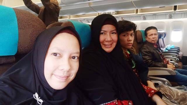 Yunninta bersama keluarga