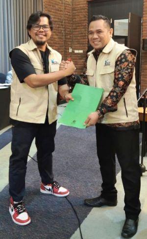 Terima SK dari DPP, Adi Setiadi Sah Pimpin Forum Taman Bacaan Masyarakat Provinsi Jambi