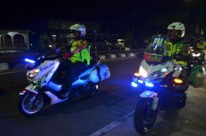 Danrem Bersama Kapolda Jambi Pantau Malam Pergantian Tahun Pakai Sepeda Motor